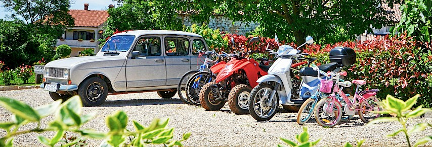 Renault 4, Quad, Scooter and bicycles